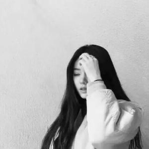 华如桃李qq女生头像长发:雨夜沉