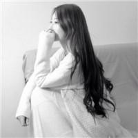 qq伤感头像女生黑白:甜甜的泪