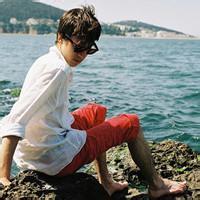 qq海边头像男生:亲吻你的美丽