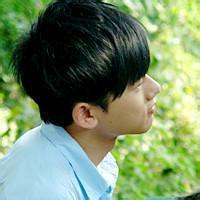 qq闪图头像男生:国际接吻日