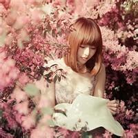 qq女生头像带花:每一个人都拥有