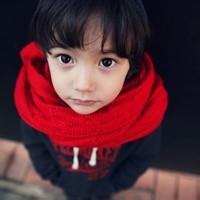 qq超萌小孩情侣头像:感情上的事难以说清