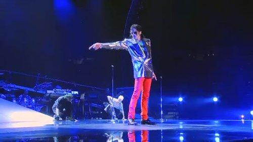 迈克尔杰克逊演唱会qq头像:爱情合适就好