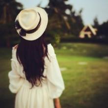 qq头像女生背影帽子:自从有了你的出现