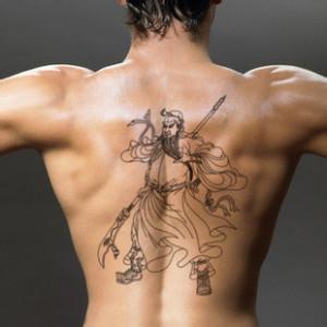 qq头像男生纹身霸气:人生中什么事情最美丽