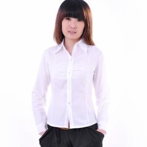 qq头像白衬衫女生:风雨飘摇
