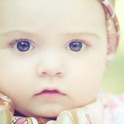qq头像小孩子:每次沮丧的时候有你