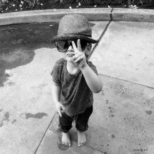 小孩子的qq头像:用爱你的心情写成短信