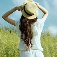 qq背影头像女生戴帽子:想着你盼着你