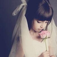 qq头像女生小孩:有你的天空不再灰暗