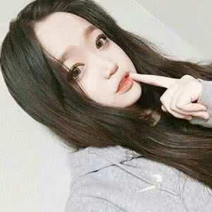 qq头像正脸女生:天使想给海豚一个吻