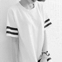 qq头像女生衬衫半身:你的笑容是阳光