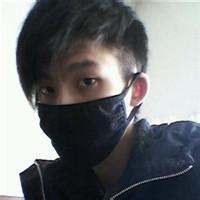 qq戴口罩头像:风雨未到春来先