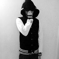 qq头像男生 帽子  黑白:浪漫的爱恋为你上演