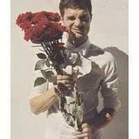 qq头像玫瑰花和男生:七夕情人节到了