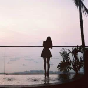 qq女生气质头像背影:春水四泽是你的爱恋