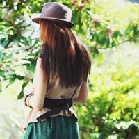 """qq头像女生唯美小清新背面:""""纠结一生的爱"""""""