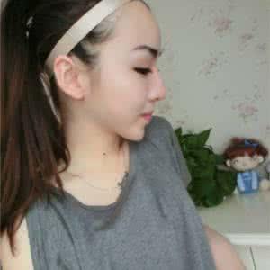 女生戴帽子的qq头像挡住脸的:时间每天转度