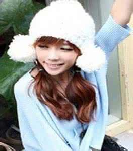 qq头像女生戴帽子韩国:雨是滴答的